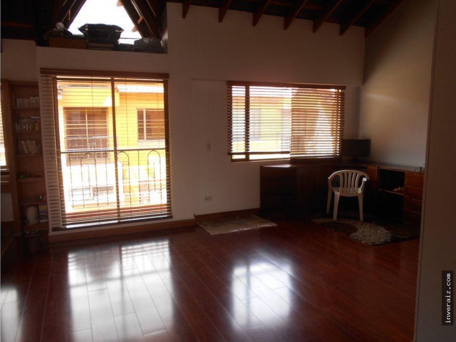 para venta casa de 260 m2 en conjunto santeo en chia ja