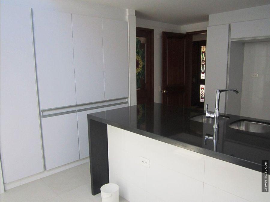 para venta casa de 200 m2 en gratamira ja