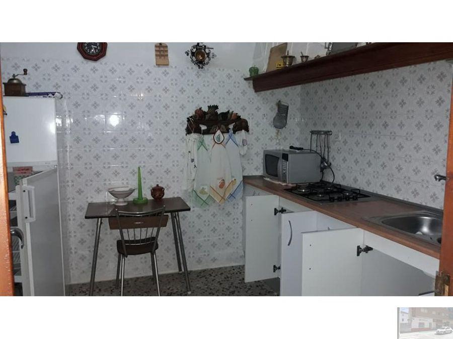 se vende casa en calle refugio en villarrobledo