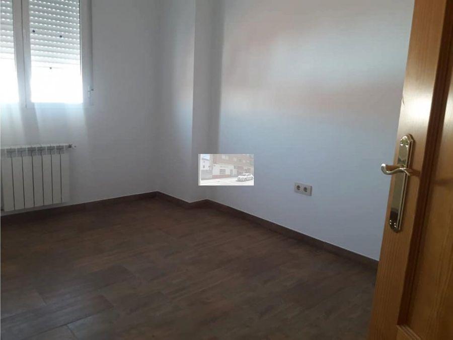 se vende piso en villarrobledo en calle tono