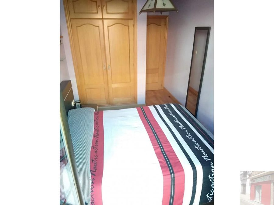 se vende apartamento trav reyes catolicos