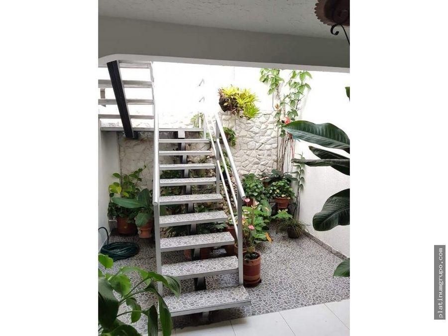 casa en la flora dos plantas