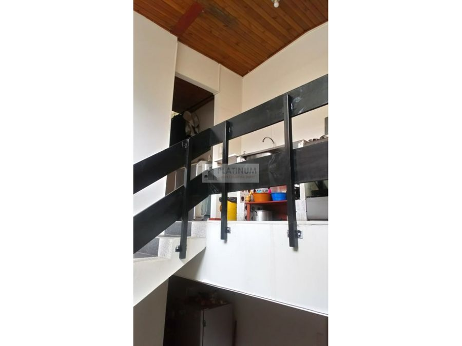edificio de tres pisos en venta en chapinero central bogota en