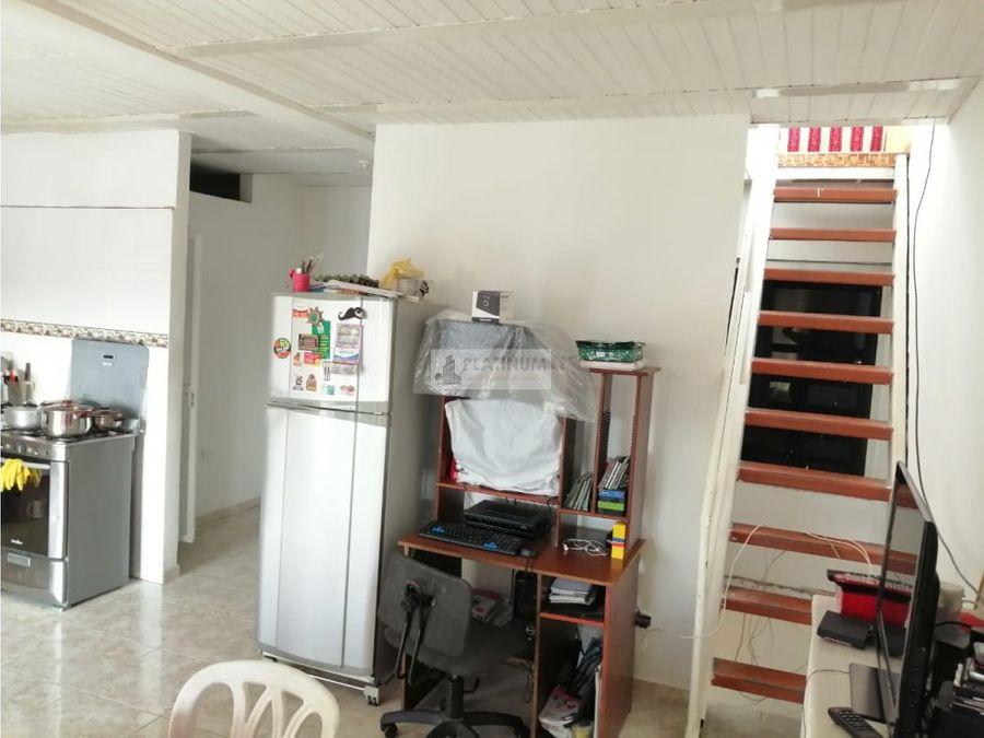 casa trifamiliar en venta en ciudad cordoba cali jc1