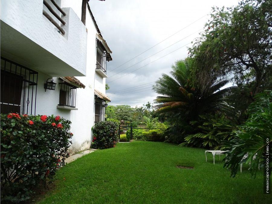 casa estilo espanol en colinas de guataparo