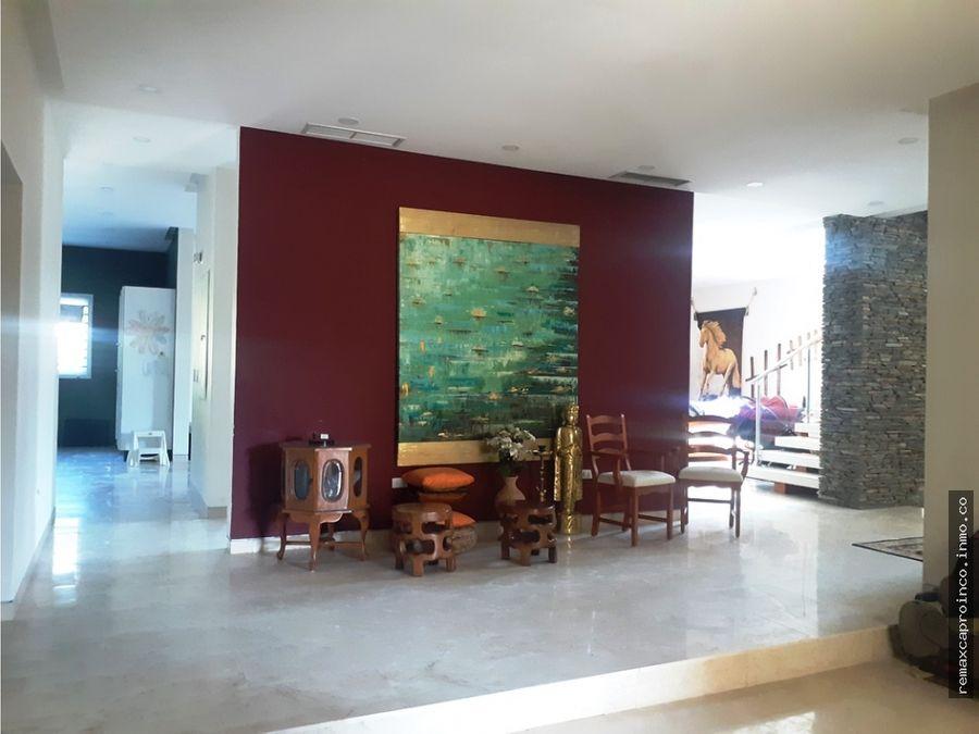 imponente propiedad en villas san diego country club