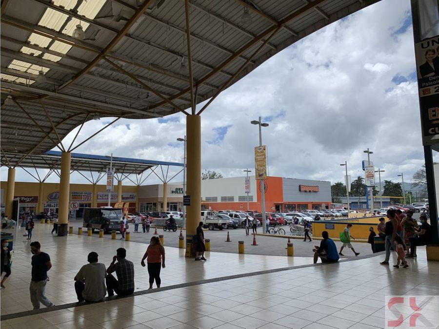 local en renta en plaza principal dentro de centro comercial