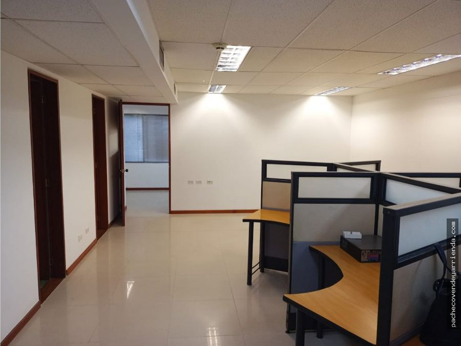alquilo oficina 70 mts centro empresa norte cali