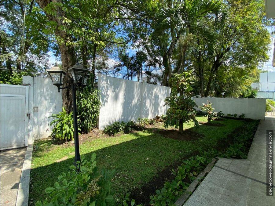 en ciudad jardin sur cali se alquila hermosa y amplia casa