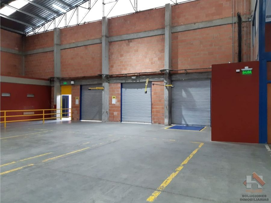 bodega en arriendo en parque industrial madrid