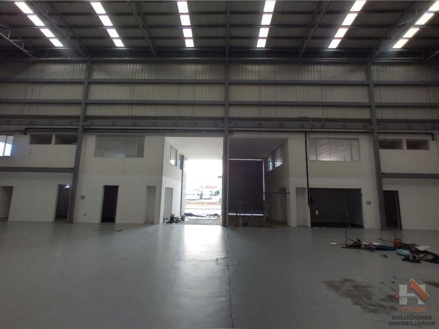 bodega en arriendo sector montevideo zona industrial
