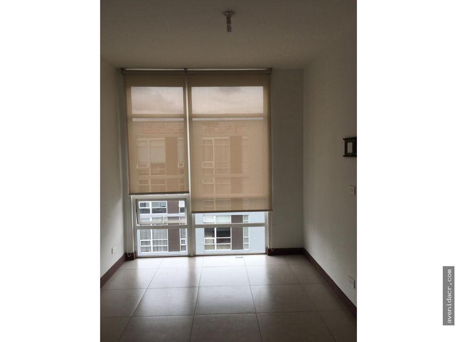 alquilo hermoso apartamento 21 142 0329