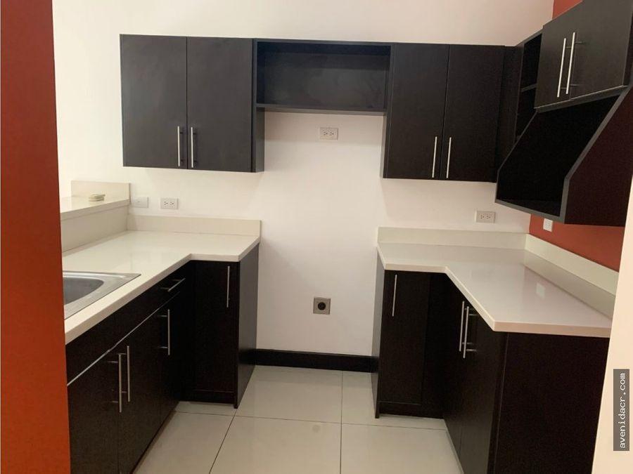 alquilo maravilloso apartamento 21 014 0350
