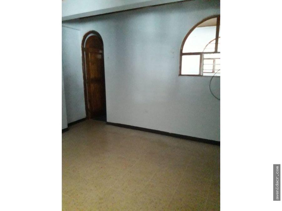 alquilo casa preciosa 23 125 0320