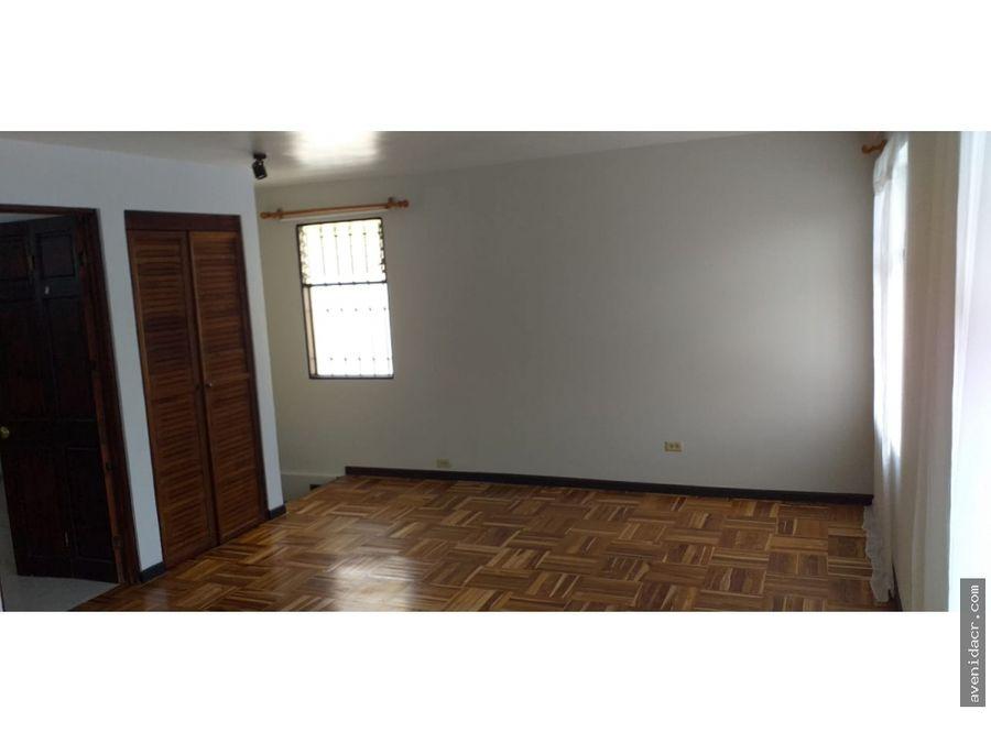 alquilo maravilloso apartamento en pinares 21 149 0308
