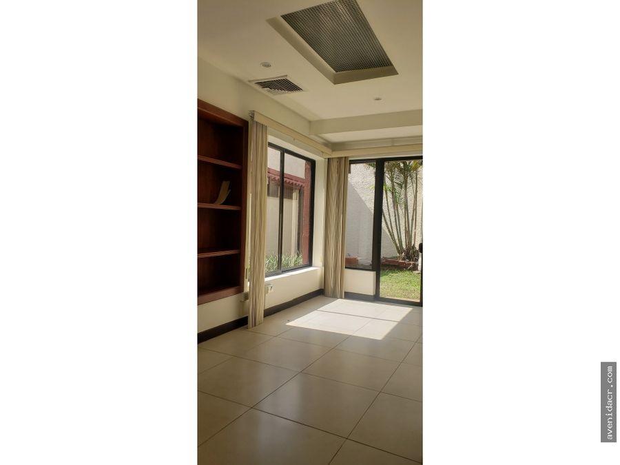 vendo espectacular casa para oficina 35 066 0112