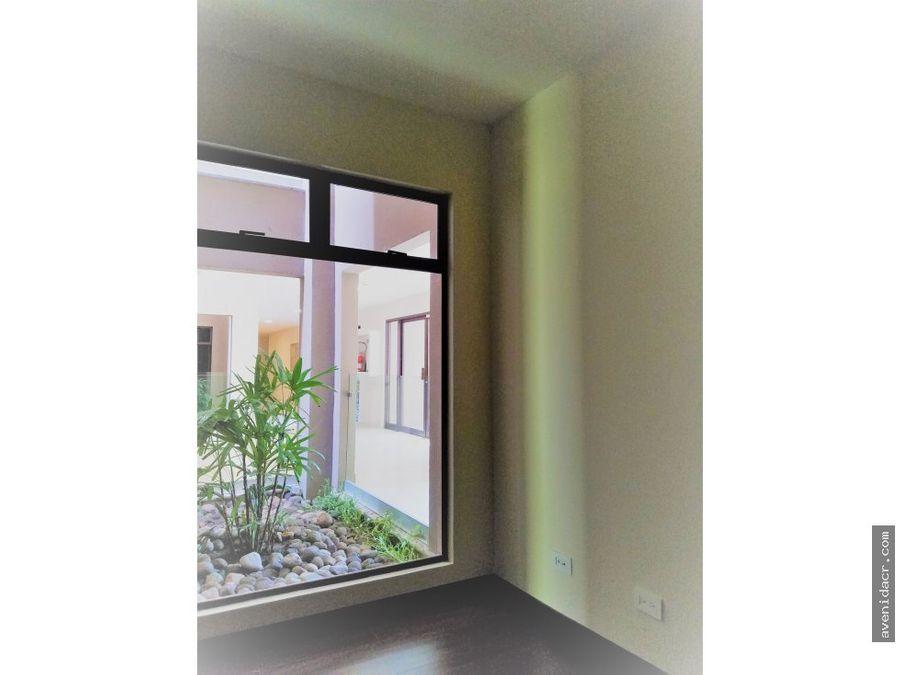 vendo apartamento en santa ana 31 054 0048