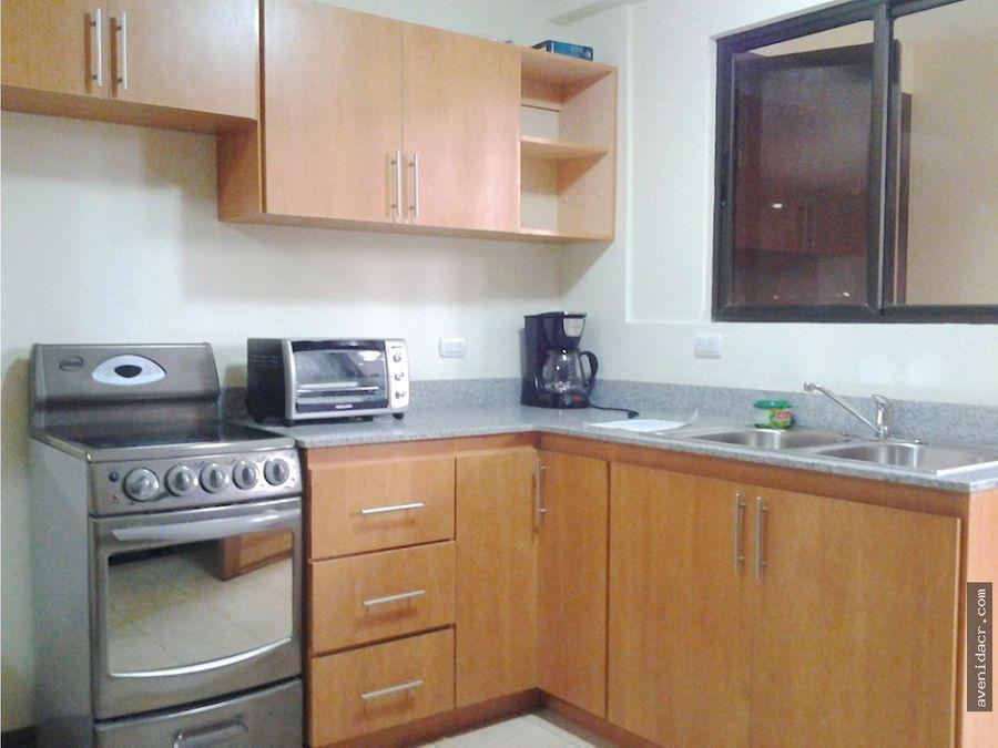 alquilo confortable apartamento 21 085 0180 3b