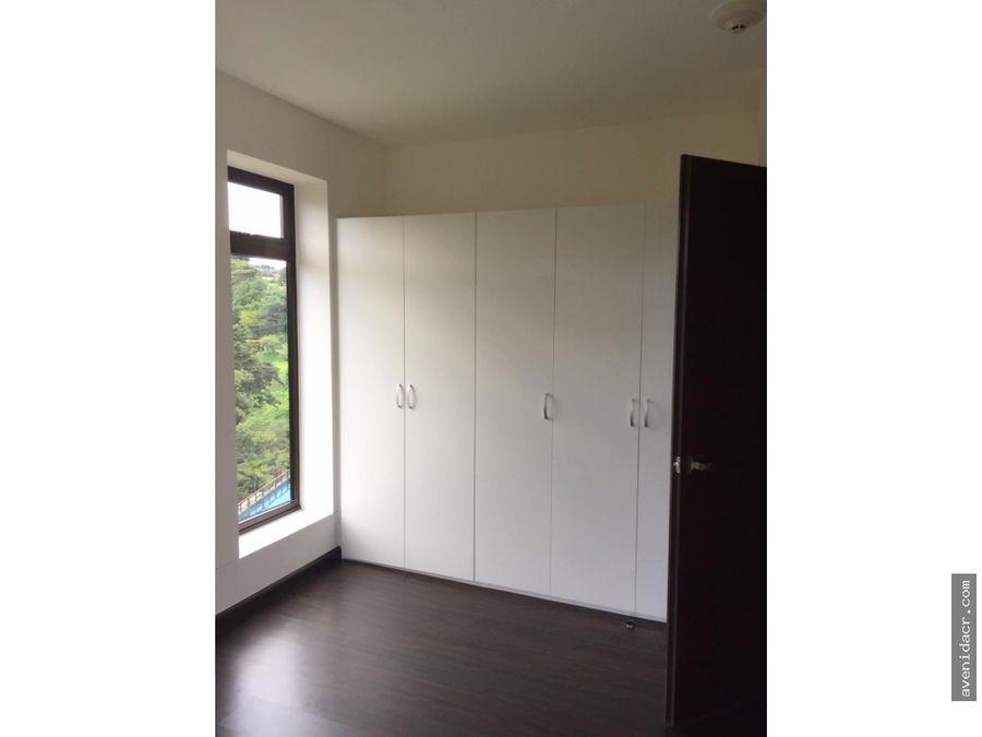 alquilo hermoso apartamento 21 139 0328