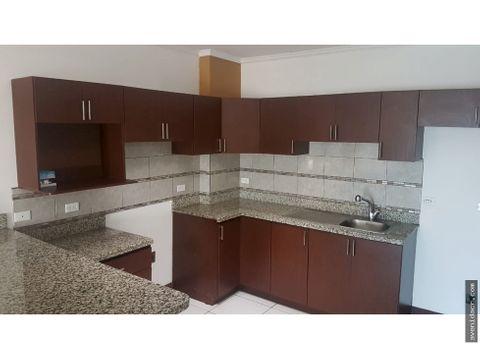 alquilo hermoso apartamento 21 137 0218