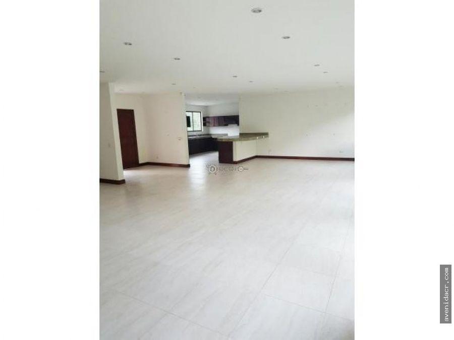 vendo preciosa casa 33 073 0101