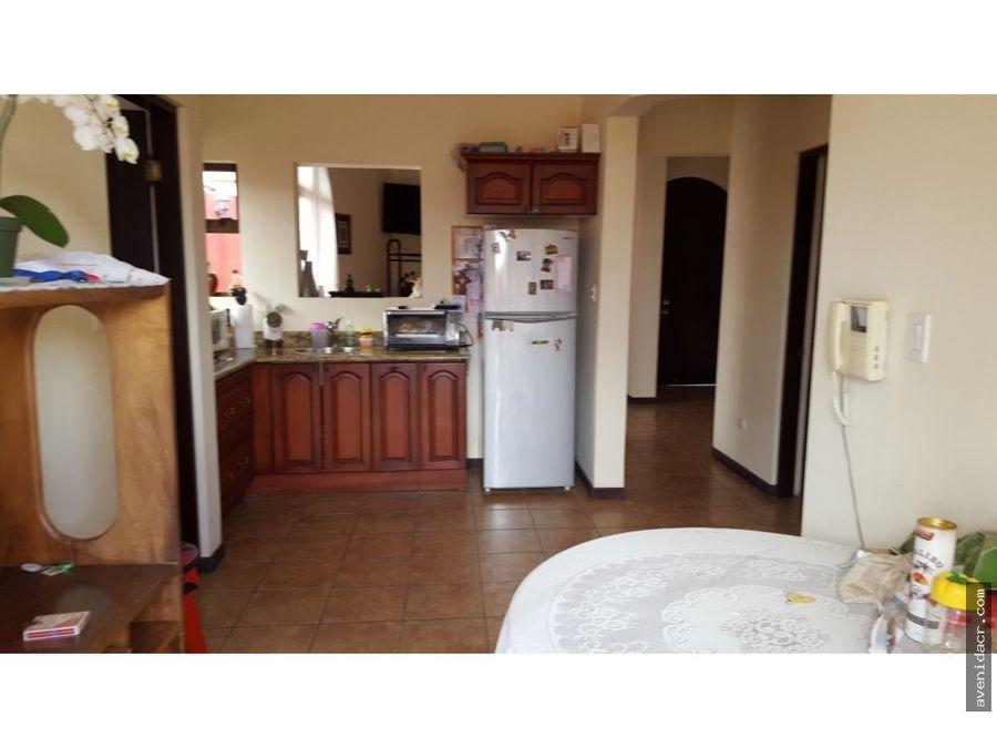 vendo casa en curridabat 33 077 0210