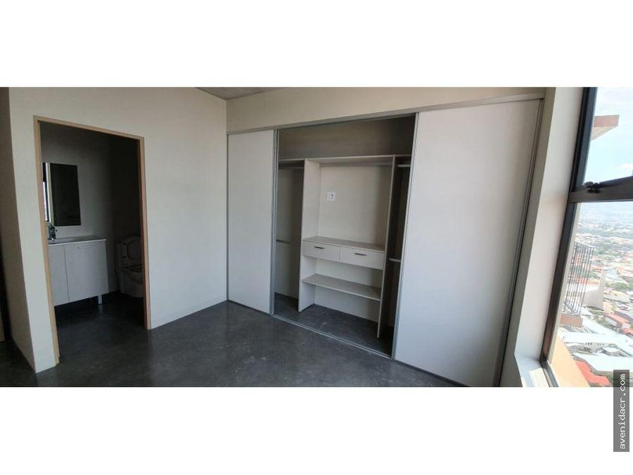 alquilo apartamento 22 033 0315