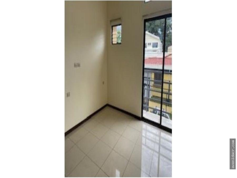 hermoso apartamento en alquiler 21 132 0314