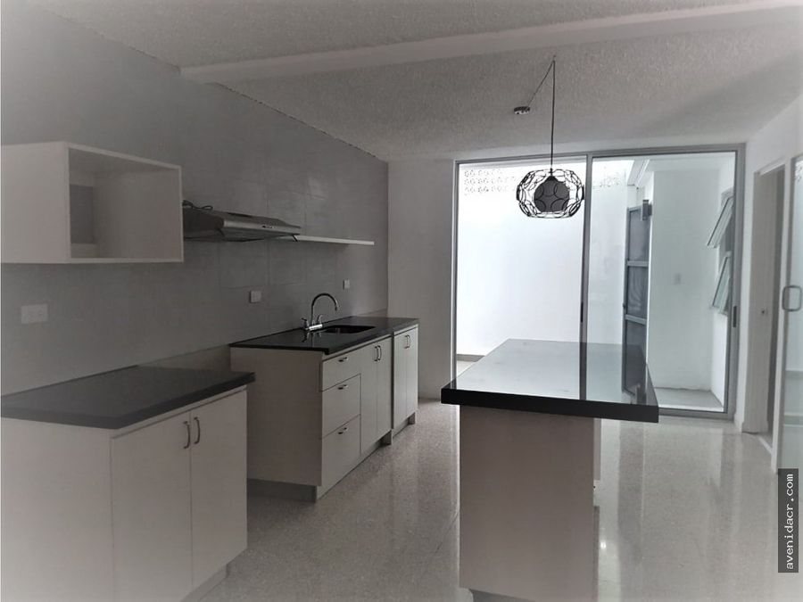 alquilo apartamento en san pedro 21 012 0325