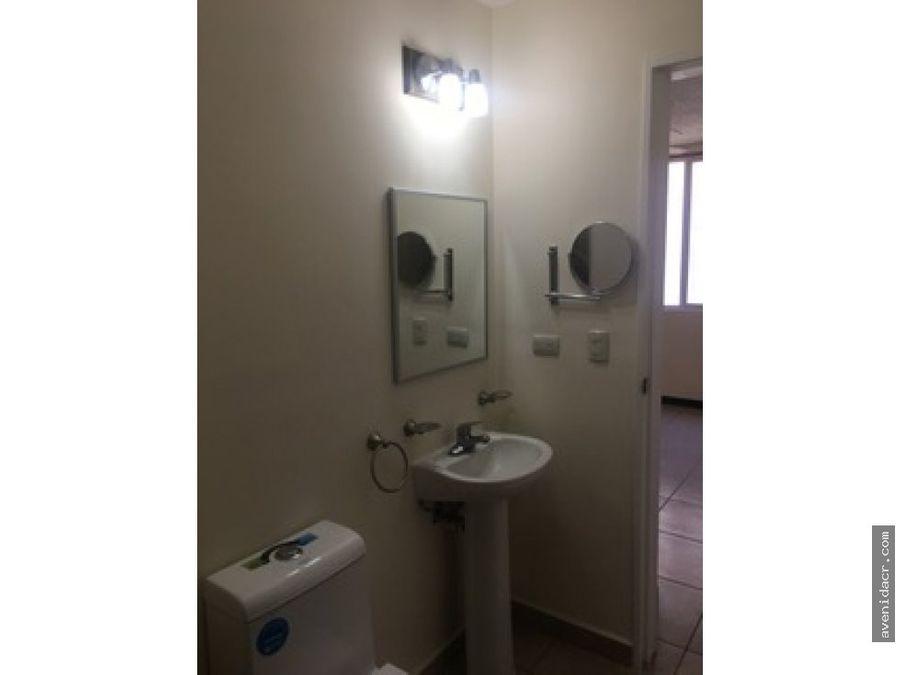 alquilo apartamento en alajuela 21 131 0309