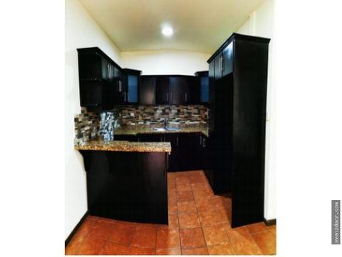 alquilo maravilloso apartamento 21 132 0318