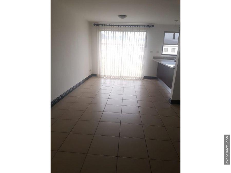 alquilo espectacular apartamento en condominio 21 167 0353
