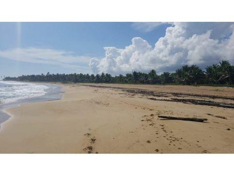 solar en primera linea de playa