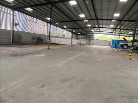 alquiler de galera de 2900 m2 en costa del este ja