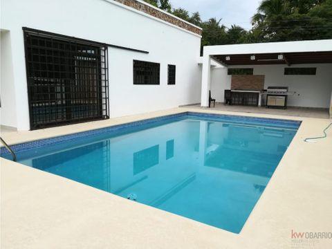 casa con piscina en costa esmeralda mm