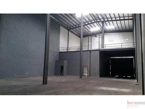 alquiler de galera de 816 m2 en costa del este ja
