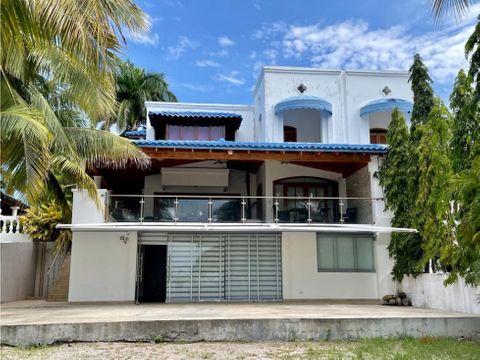 se vende lujosa casa en playa blanca resort
