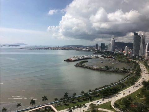 se vende penthouse con espectacular vista de avenida balboa