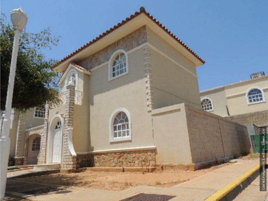 vendo casa costa rosmini mls18 4444 4146679143