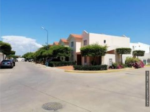 venta townhouse avenida goajira 19 15917 ych