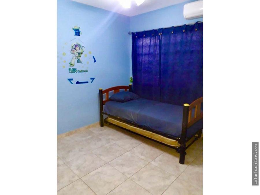 se vende casa en brisas de los guayacanes chitre