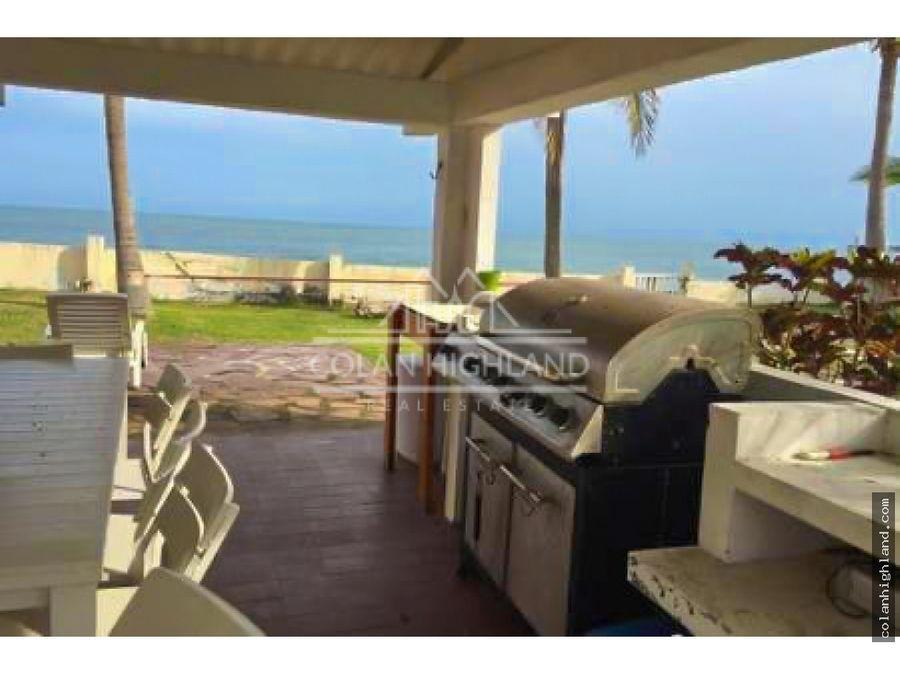 se vende casa frente al mar en gorgona