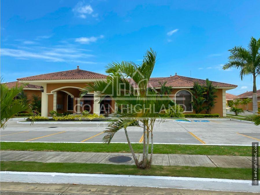 se vende casa en sunset coast costa sur mls13755
