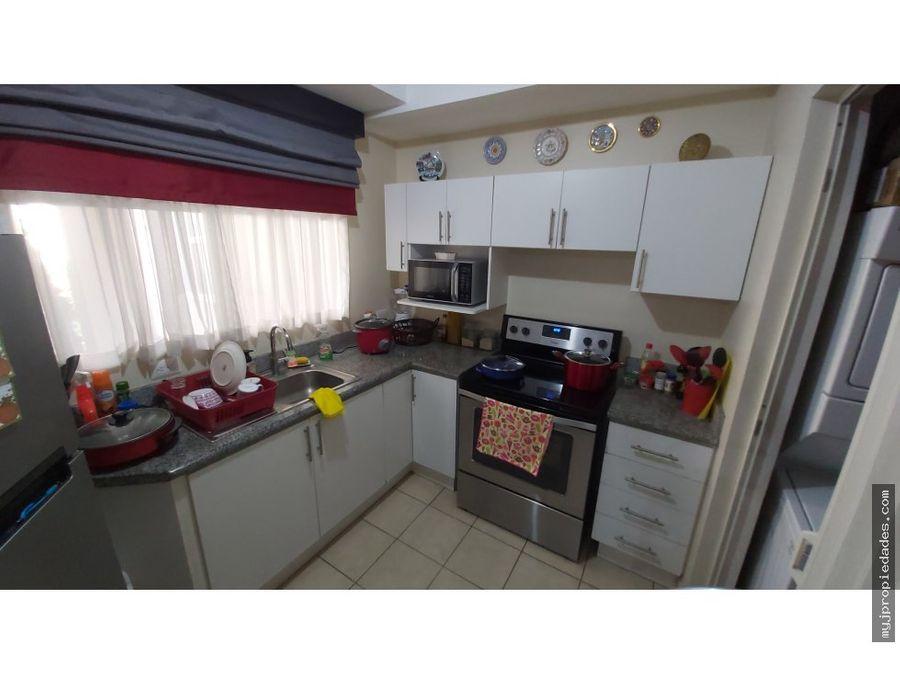 alquiler de apartamento de 1 planta en condominio
