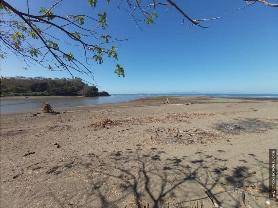 precio rebajado terreno con edificio frente a la playa boca barranca