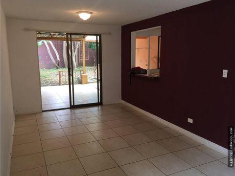 venta de casa independiente en residencial
