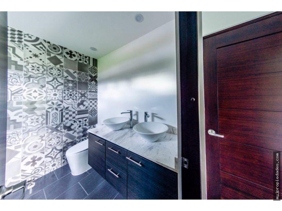 venta moderna casa en condominio nuevo en alajuela