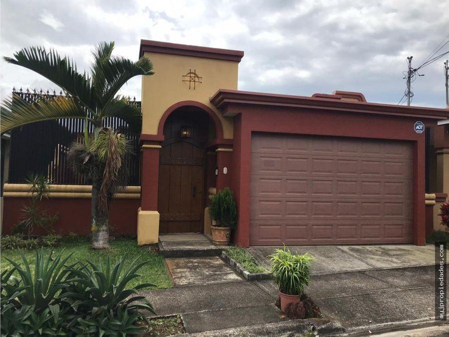 venta hermosa casa en residencial heredia
