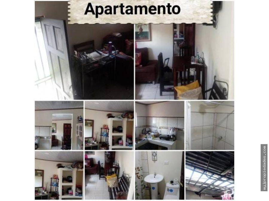 venta amplia casa esquinera con apartamento en hatillo 4