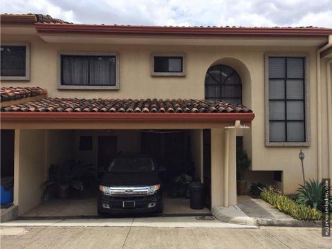 hermosa casa en condominio guachipelin